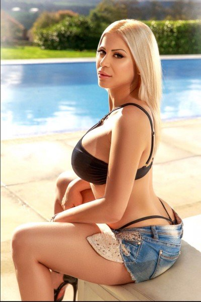 Monique Busty 36DD Notting Hill Escort in London