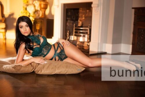 Busty 34DD Hazan Stunning London Escort in Paddington