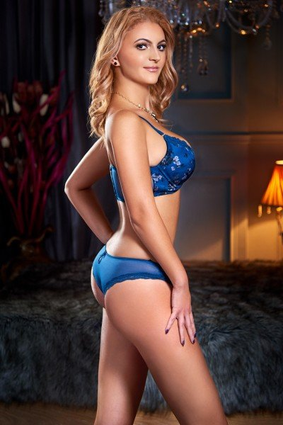 Venda Alevel Blonde busty Bayswater London Escort