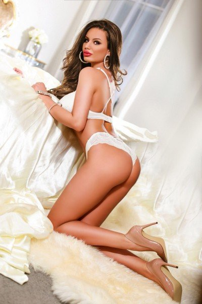 Jenifer 34D Slim Paddington Escort in London