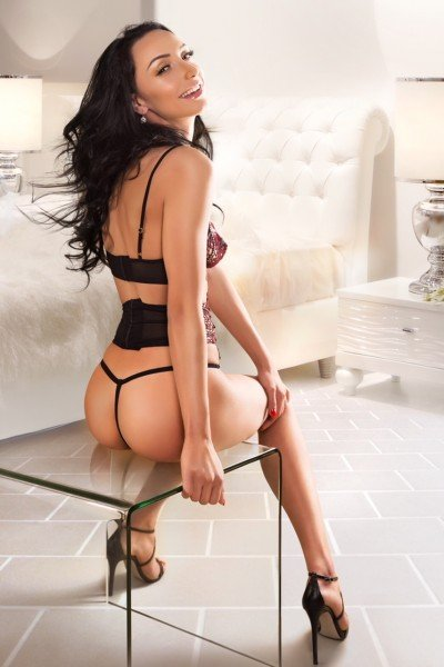 Chrissie Bayswater Escort in London