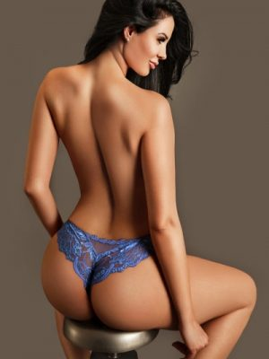 Clarissa 34DD Model and Gloucester road Escort in London