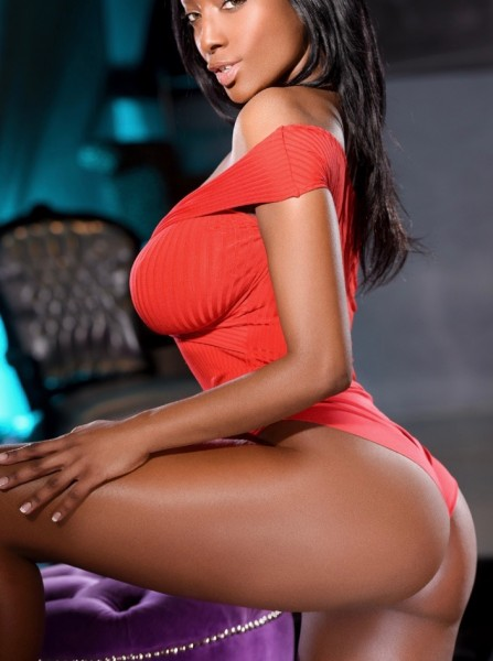 Deborah Sexy 34D Busty Black Bayswater Escort in London
