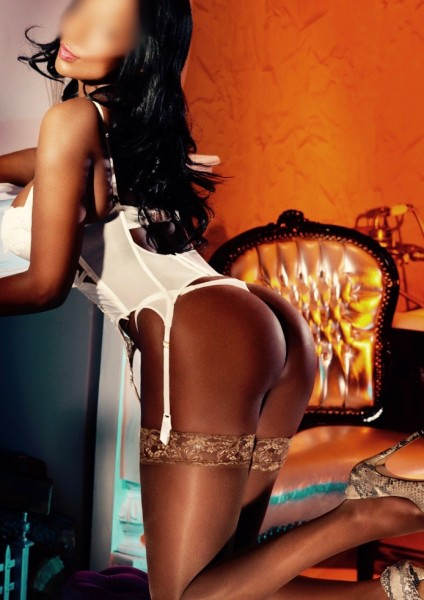 Deborah 34D Busty Black Bayswater Escort in London