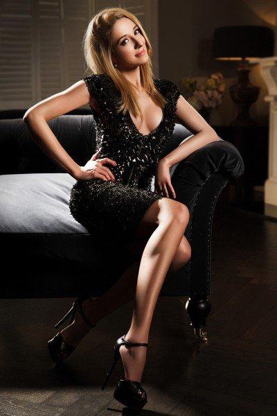 Eva Stunning blonde busty 34C Bayswater Escort in London