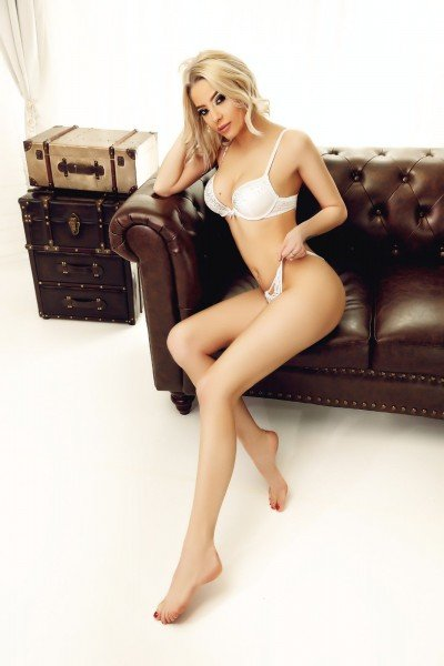 Vicky 32A Tall Paddington Escort in London