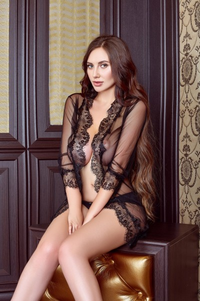 Dionna Hot young Busty 34DD Gloucester Road Escort in London