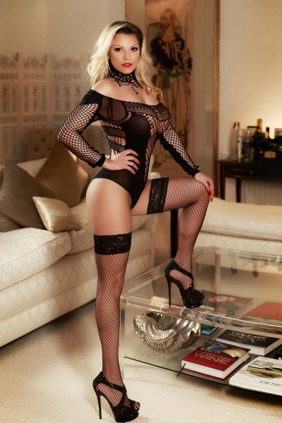 Agetha Sexy 32D Busty Blonde Earls Court Escort