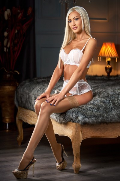 Bella Stunning and friendly 34B Bayswater Escort in London