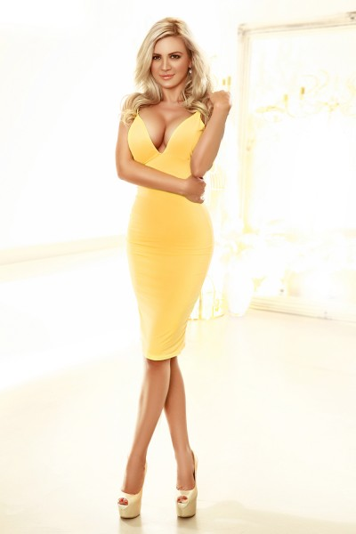 Evelyn Blonde Chelsea Cloisters Escort in London South Kensington