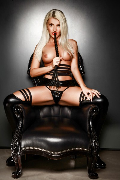 Annay London Escort