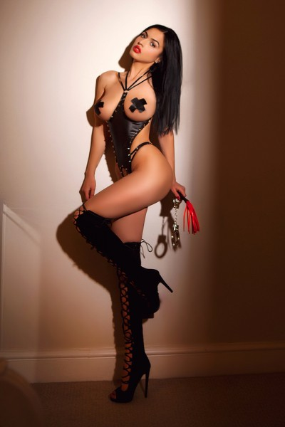 Sasha Stunning 34C Sexy Brunette Paddington Escort in London