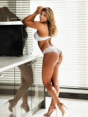 Bonita 34B Brazilian Stunning Knightsbridge Escort in London
