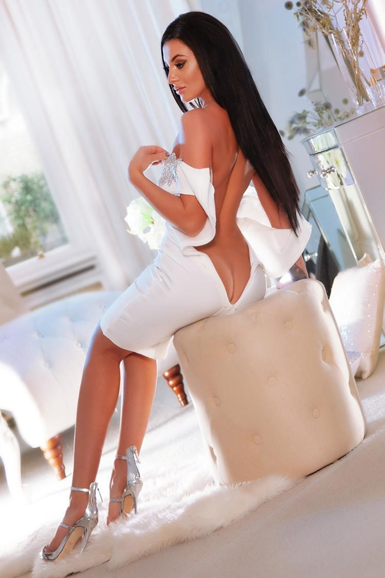 Nati Bond Street London Escort at Bunnys of London