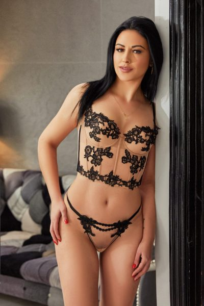 Beautiful Marble Arch Escort Ammy