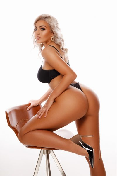 Francesca London Paddington Escort at Bunnys of London