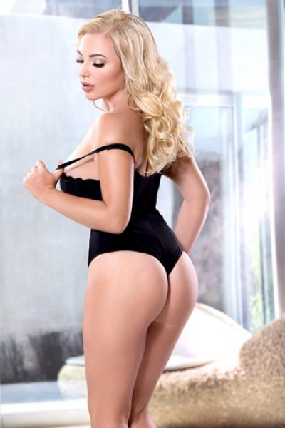 Earls Court London Busty Blonde Escort Nickita
